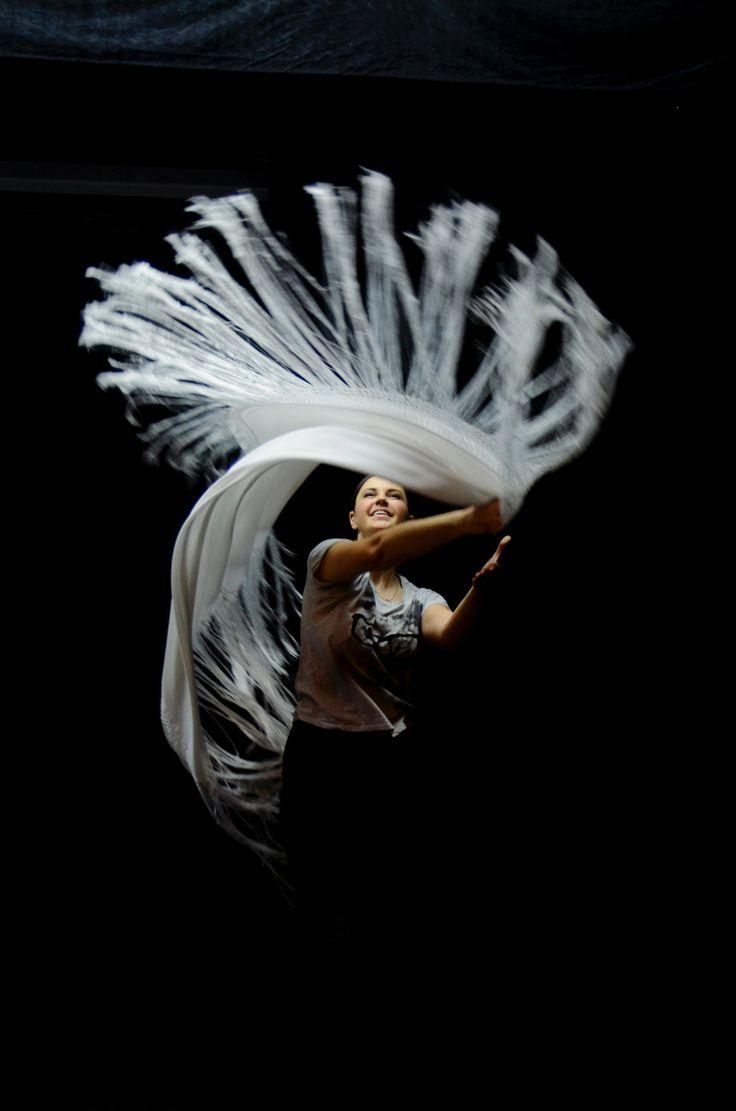 Spanish shawl rehearsal before Modo de Vida concert starts #flordelflamenco #spanishow #flamenco #фламенко  @ Москонцерт