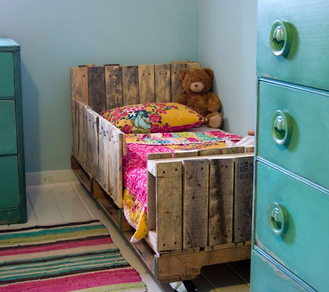 Toddler Pallet Bed. This is a creative idea, but I think it would look much better painted. | Creative Ways to Repurpose Pallets