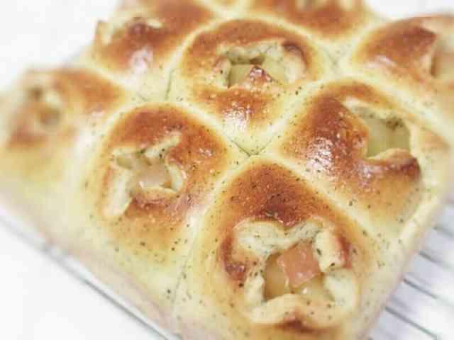 紅茶のアップルカスタードちぎりパンの画像