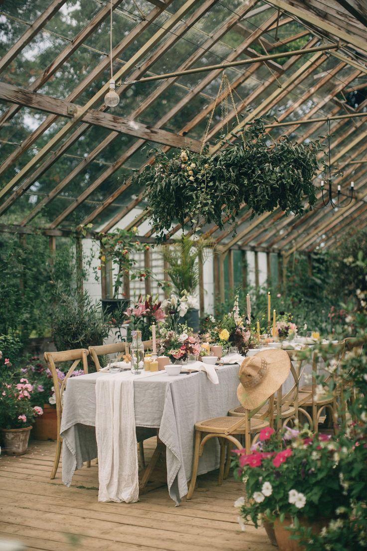 Geheime Gartenhochzeitsinspiration in einem irischen Gewächshaus aus dem 18. Jahrhundert