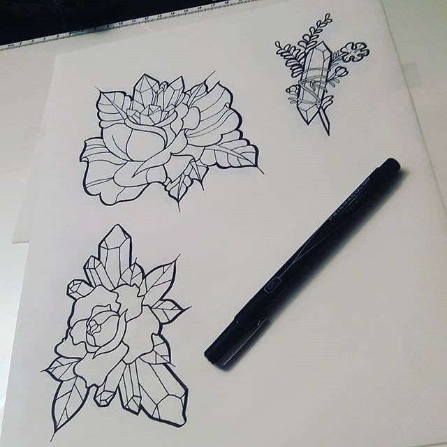 Progress Shot Tattoo Tattoodesign Ink Design Neotraditional Neotraditionaltattoo Art Artis Crystal Tattoo Tattoo Apprenticeship Rose Outline Tattoo