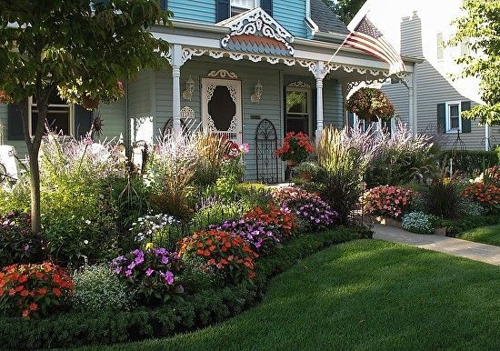 Perennial flower beds for south side of house google for Small flower garden in front of house