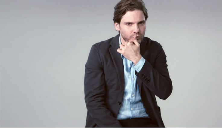Daniel Bruhl interview for UNIQLO.  Note that I bought a UNIQLO tote bag because he did an ad campaign for them.  We don't even have those stores in America.