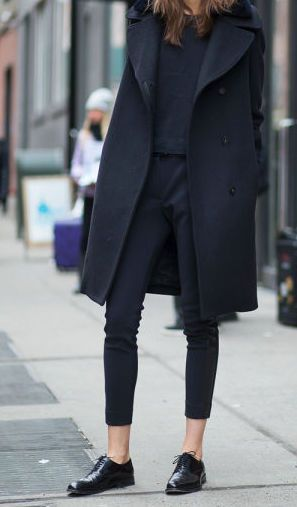 all black outfit idea for fall or winter