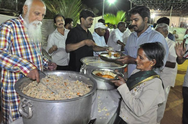 "The ""Nitya Anna Dāna Seva"" program aims to offer two #free #meals a day to every needy #meditator at Pyramid Valley International.  ""#Daana for #Dhyana is the Highest Possible Dana ~ Brahmarshi #Patriji""  Your generous contributions to the program can help the meditators to be free from thinking of basic bodily needs when they are in Pyramid Valley International.  Click here for your contribution : http://pyramidvalley.org  #annadana #pvi #TheNewShambala #PyramidValley"