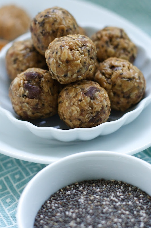 Peanut Butter Chocolate Chip Chia Bites