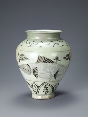Jar with decoration of fish and lotuses. Korean, Joseon dynasty (1392-1910); second half of the 15th century. Buncheong with inlaid, stamped, and iron-painted design. Leeum, Samsung Museum of Art, Seoul.