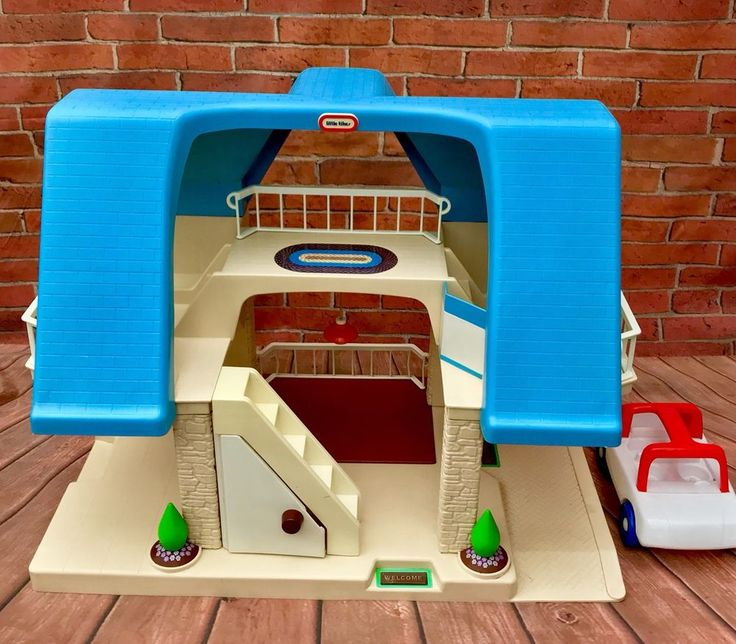 Little Tikes Dolls House Blue Roof mansion With Family Car Rare 1989 Vintage vgc