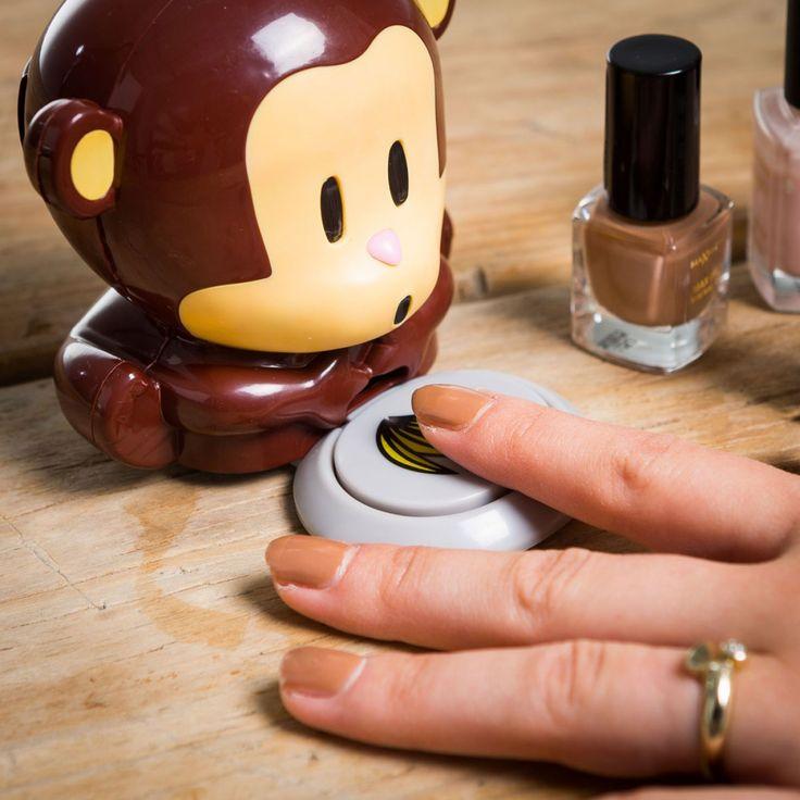 La nostra simpatica Scimmietta Asciuga Smalto soffia sulle unghie dipinte di fresco per asciugare lo smalto in pochi istanti!