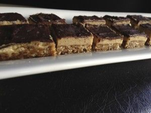 No-Bake Caramel Slice with the Thermomix - The 4 Blades
