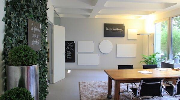 Konferenzraum mit Bildheizung in der Infrarotheizung Ausstellung
