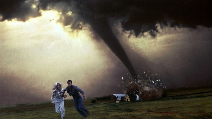 """Helen Hunt and Bill Paxton in """"Twister"""" (1996)"""