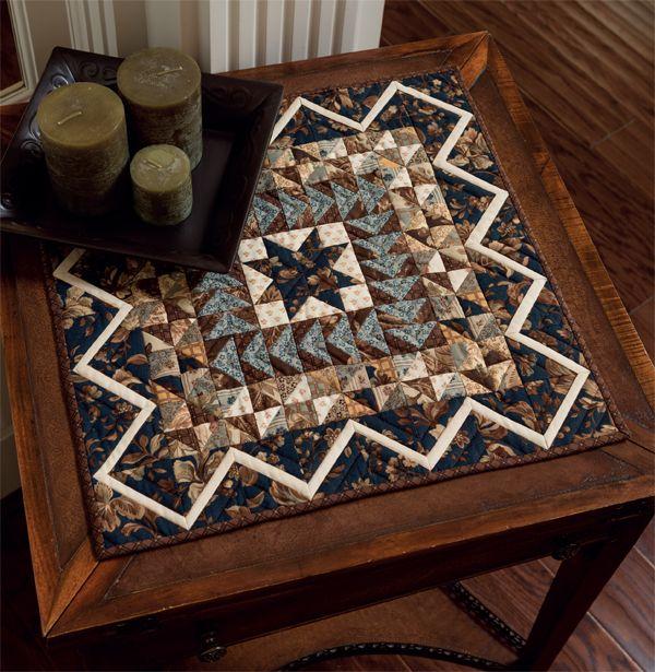 die besten 25 mini quilts ideen auf pinterest gesteppte wandbeh nge quilten und an die wand. Black Bedroom Furniture Sets. Home Design Ideas