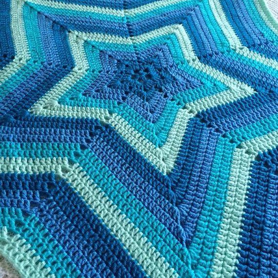 Knitting Pattern For Star Blanket : Best 20+ Crochet star blanket ideas on Pinterest Star ...