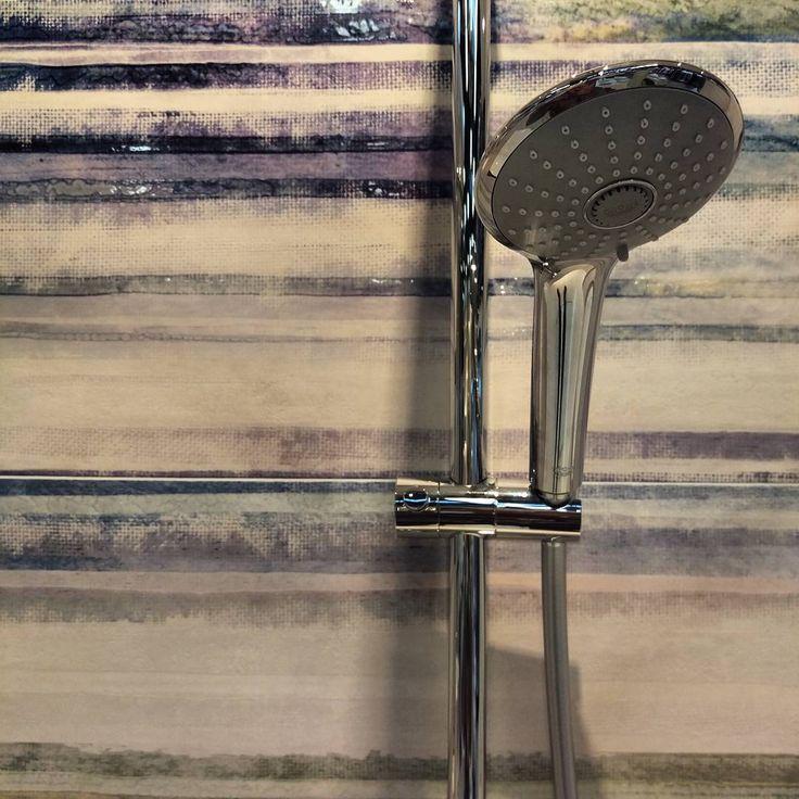 Żyj kolorowo! 🌈  #HOFF #salonhoff #kraków #ilovehoff #łazienka #łazienki #design #wystrojwnetrz #bathroom #bathroomdesign #ceramika #inspiracja #bateria #pomysł #wyposażeniewnętrz #płytki #tiles #interior #design  #homedecor #trends #cool #instagood #kolory #colors #kolorowo