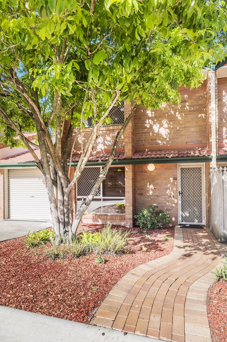 KEDRON 17/49 Colac Street...Set over two spacious levels of living, this three bedroom brick townhouse is situated in a quiet complex in the heart of Kedron.