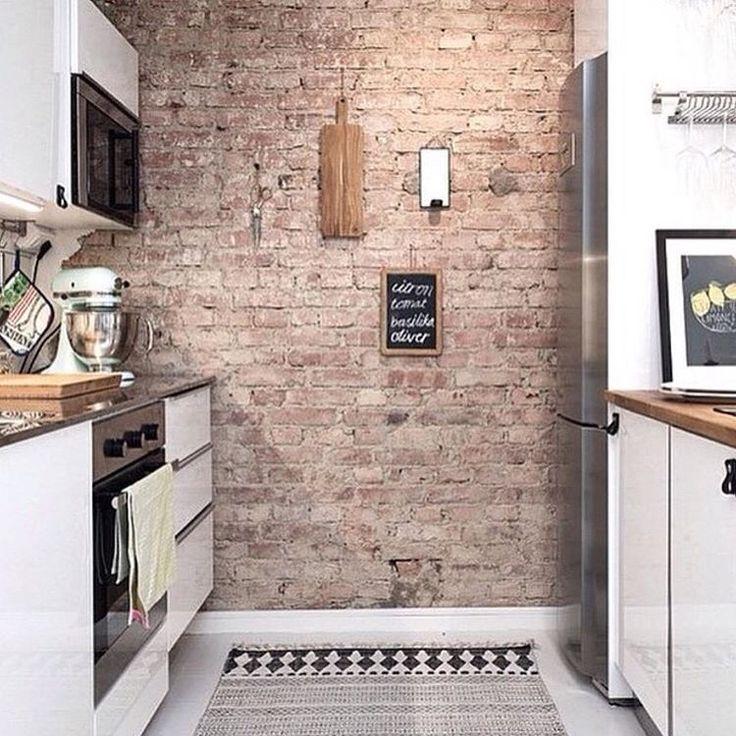 Tegelvägg i köket