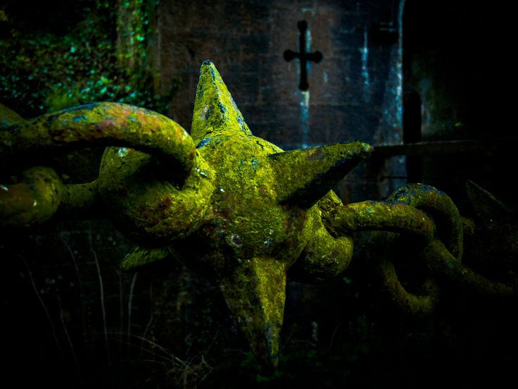 Chain Fence by Felikss Veilands on 500px. #Medieval #MedievalCastle #MorningStar #abstract #ancient #birr #castle #chain #chainfence #cross #cryptic #dark #fence #fineart #green #historic #historical #history #ireland #mysterious #mystic #old #scary #spikes #spooky #spookish #spikedball