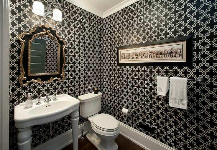 déco de mur de toilette avec papier peint