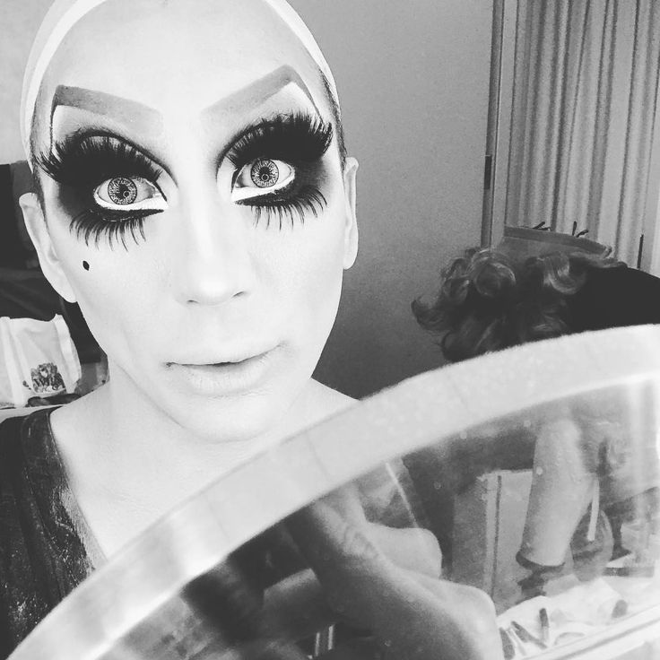 """41.4k Likes, 242 Comments - Bianca Del Rio (@thebiancadelrio) on Instagram: """"CLOWN TIME! 🤡#nottodaysatan #tour #Hartford #finalshows #lipsrequired 💋"""""""