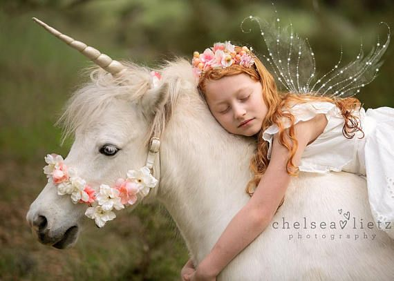 Unicornio cuerno suave oro accesorio caballo carrusel caballo