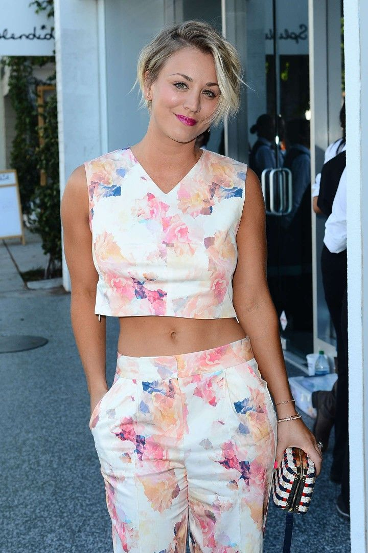 slick hair style best 25 kaley cuoco ideas on 2222