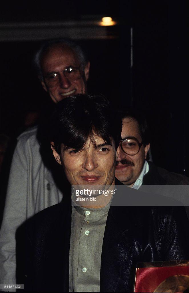 falco-musiker-saenger-popmusik-oesterreich-portraet-1982-picture-id544571231 (662×1024)