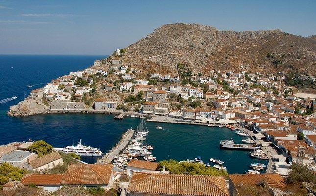 Η πόλη της Ύδρας από ψηλά http://diakopes.in.gr/the-experts-way-blog/article/?aid=209783 #hydra #island #greece #travel