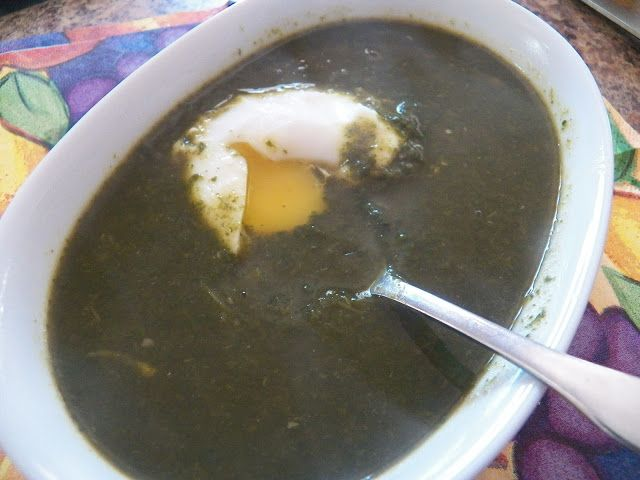 Spinat Suppe (Spinach Soup with poached egg)