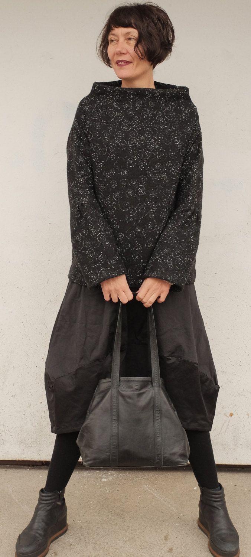 Maglione Nero - Pullover Nero - Pullover Nero e Bianco - Maglia Nera Collo Alto - Pullover Minimal - Maglione Donna - Maglia Nera in Lana di atelierPop su Etsy