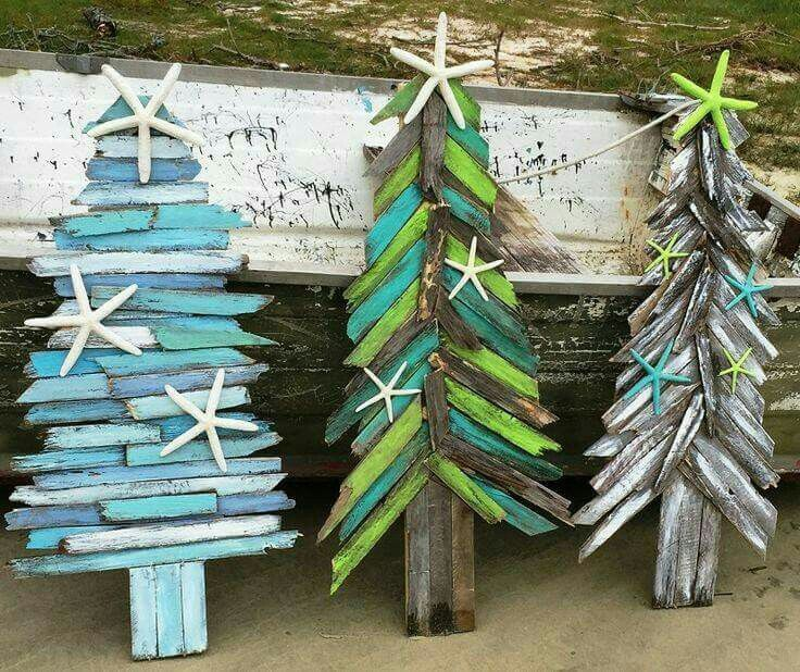 Painted wood scraps tree with dried seastars. Use mini wood scraps or larger wood depending on the size you'd like.