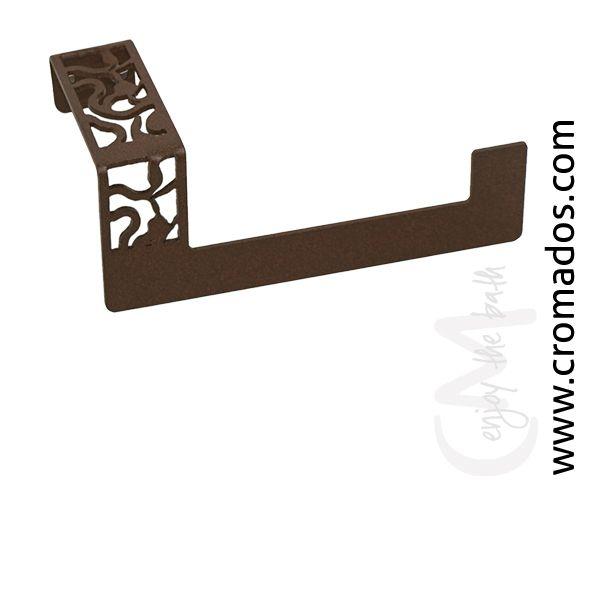 Portarrollos ARD02 de la serie Art Decó de CM Baños. Medidas: 150x74x67. Acabado en marrón forja con opción a blanco texturizado y negro forja. Estilo art decó rústico.