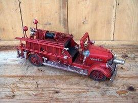 Machete auto retro - Masina pompieri anii '40