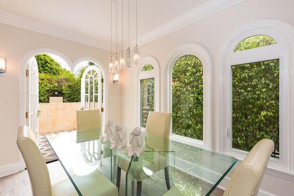 Dining Details - Faye Dunaway's West Hollywood Home #celebritydiningrooms #fayedunaway