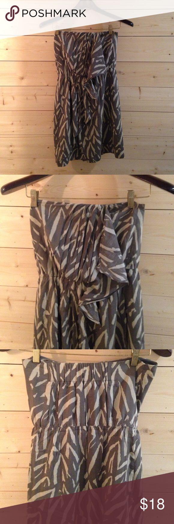 Gap Grey Strapless Zebra Print Dress Comfy grey zebra print strapless dress from Gap. GAP Dresses Strapless