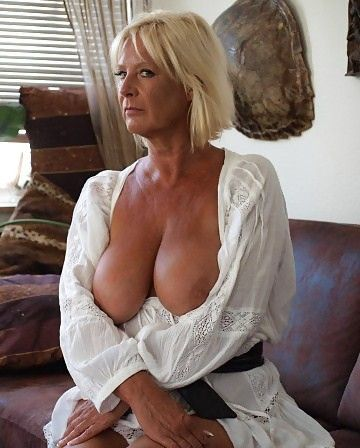 Mature woman Busty woman with older