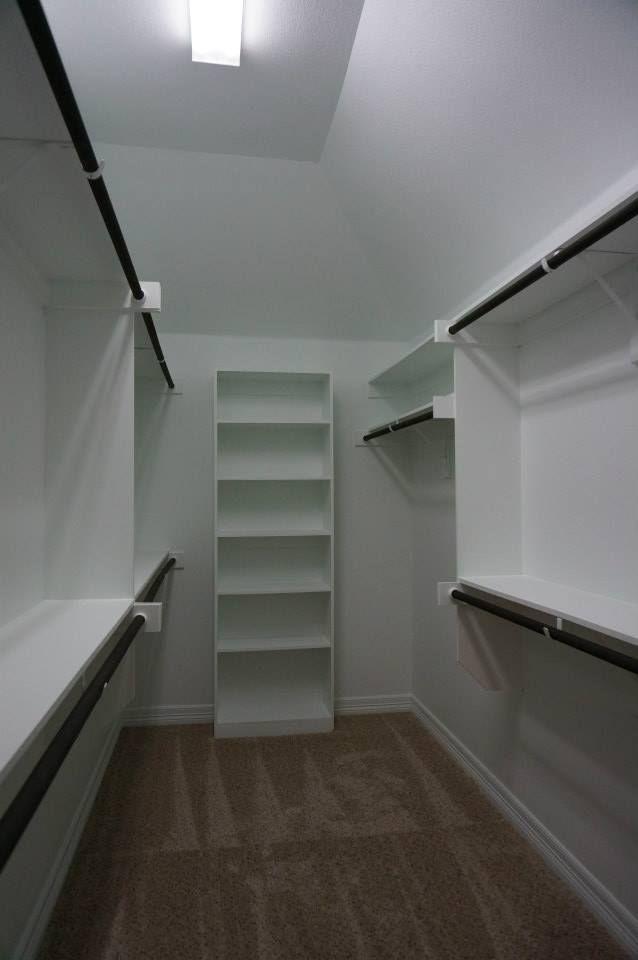 Dorm Room With Walkin Bathroom