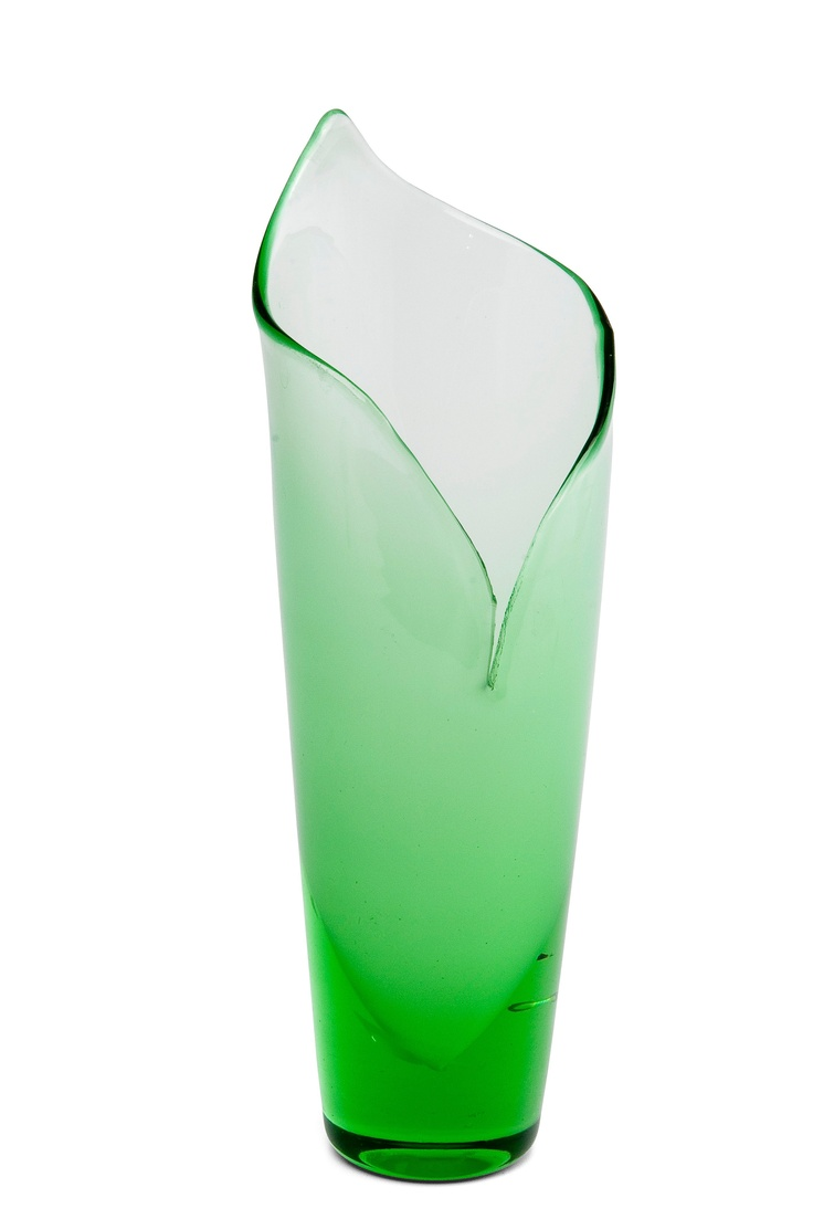 ** Gunnel Nyman 1909-1948 A VASE. Calla. Signed G. Nyman Riihimäen Lasi Oy. Green and opal glass. Height 23,5 cm.
