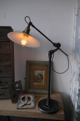 25 best ideas about lampe bureau on pinterest kapla pas cher lampe metal - Lampe industrielle ikea ...