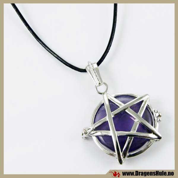 Anheng: Pentagrambur med Ametyst  fra DragensHule. Om denne nettbutikken: http://nettbutikknytt.no/dragens-hule-no/