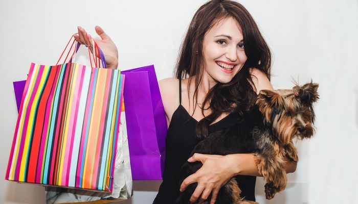 On Black Friday, your favorite pet supply stores and major retailers are going to be offering steep discounts on big items like dog beds, dog crates, and electronic dog collars. If you've been thinking about making a large purchase for your dog, Black Friday is one of the best times to find dog supplies deals. #dogs #deals #blackfriday #supplies #dog #best #list #discounts #sale #where