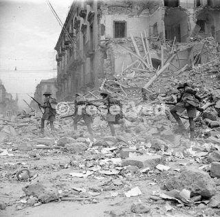 soldiers-captured-gela-sicily-italy-1944-sicily_ww2-gela-sbarco