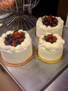 whole foods fruit cake whole foods berry chantilly cake my favorite cake 1377