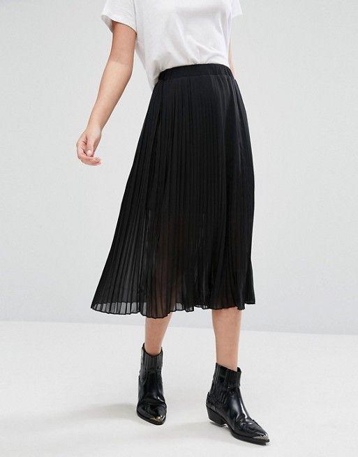 Discover Fashion Online http://www.asos.fr/pimkie/pimkie-jupe-mi-longue-plissee-avec-superposition/prd/7474940?iid=7474940&clr=Noir&SearchQuery=&cid=2639&pgesize=36&pge=0&totalstyles=413&gridsize=3&gridrow=4&gridcolumn=1
