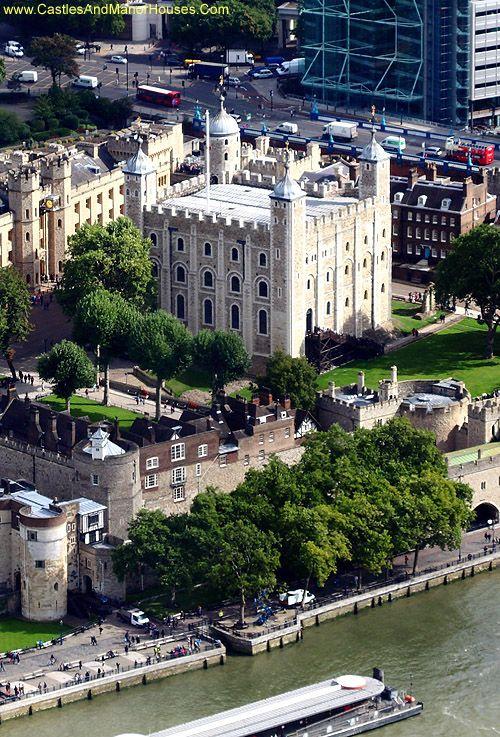 The White Tower, Tower of London, Borough of Tower Hamlets, London, England - www.castlesandmanorhouses.com