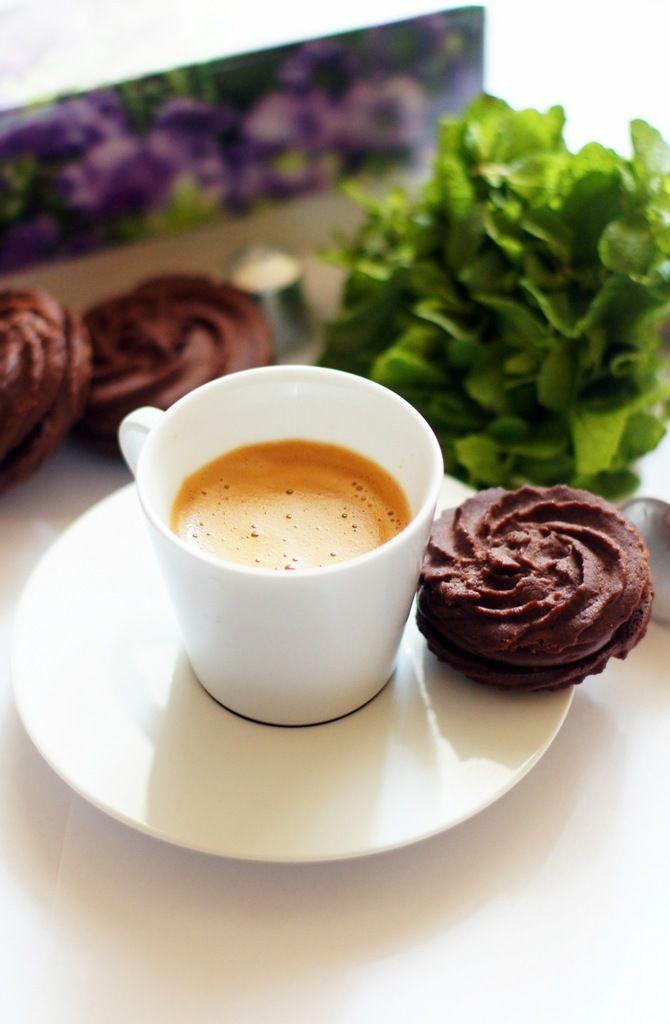 Мята и шоколад, шоколад и мята - классика жанра) Прекрасное сочетание, но как в него встроить вкус кофе? В бленде Chocolate Mint от Nespresso мята звучит очень деликатно, к…