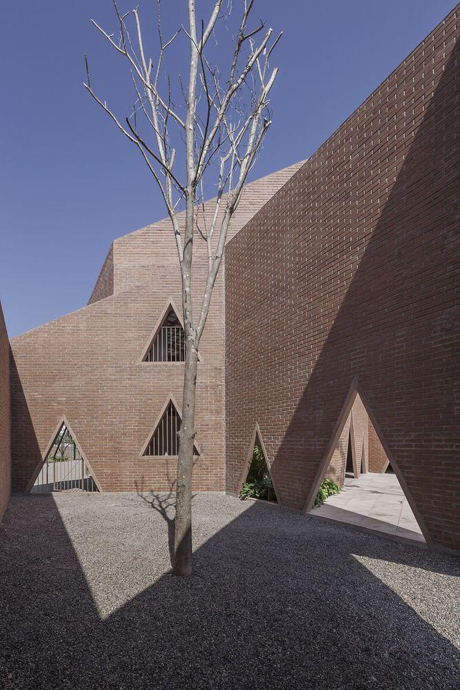 Gallery of Maria Montessori Mazatlán School / EPArquitectos + Estudio Macías Peredo - 2