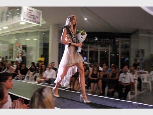 http://krugersdorpnews.co.za/288810/catwalk-glamour-glistens-in-krugersdorp/?platform=hootsuite