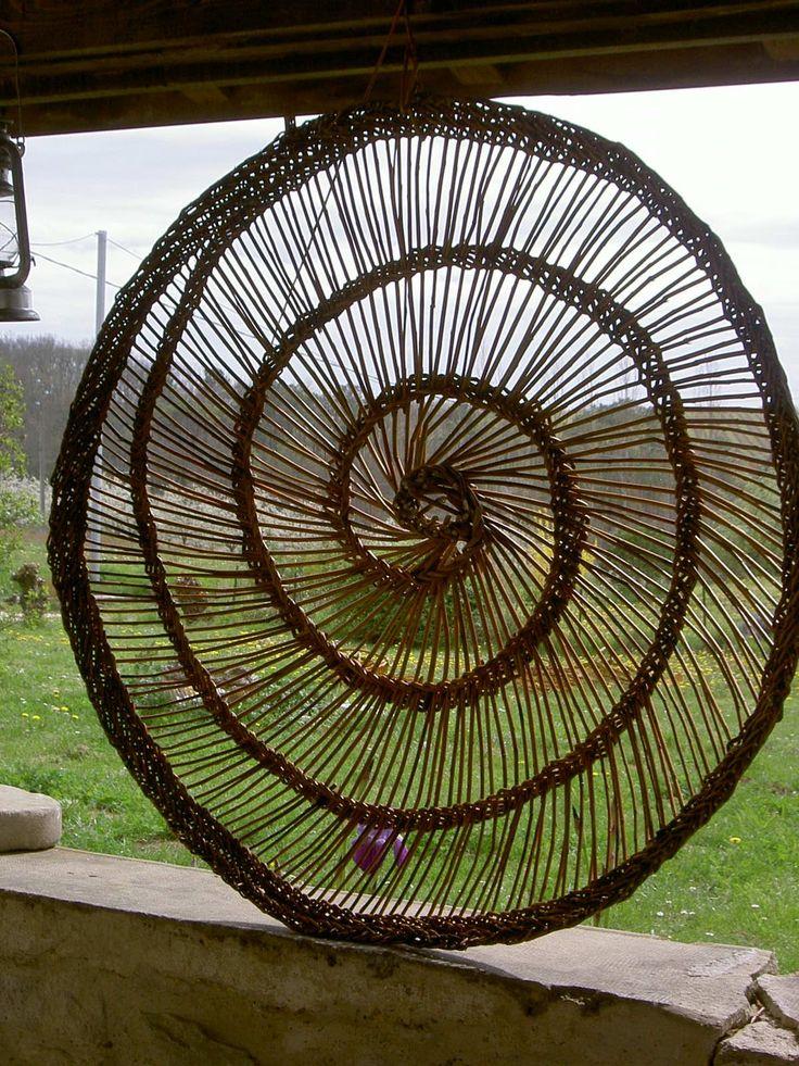 décoration exterieure en osier tressé - spirale