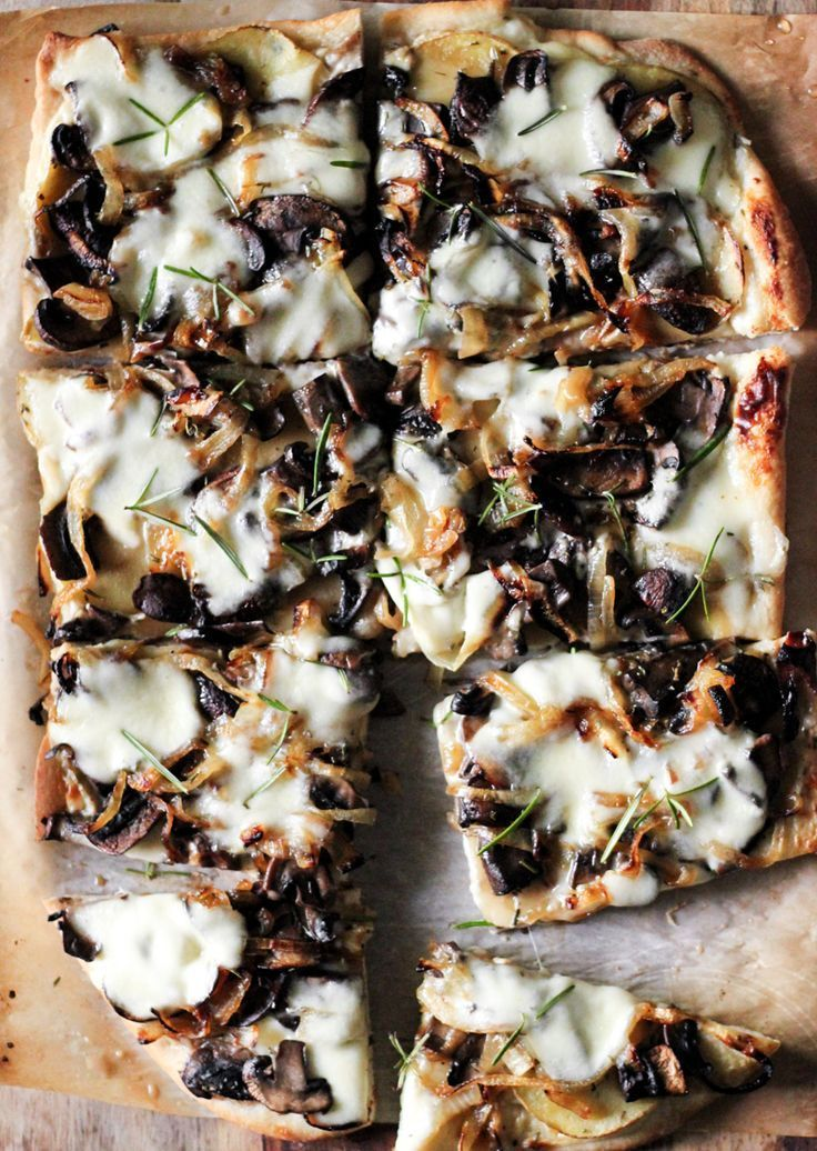 White Pizza: Caramelized Onions, Mushrooms + Rosemary Potatoes with Garlic Cream Sauce | http://SheEats.ca